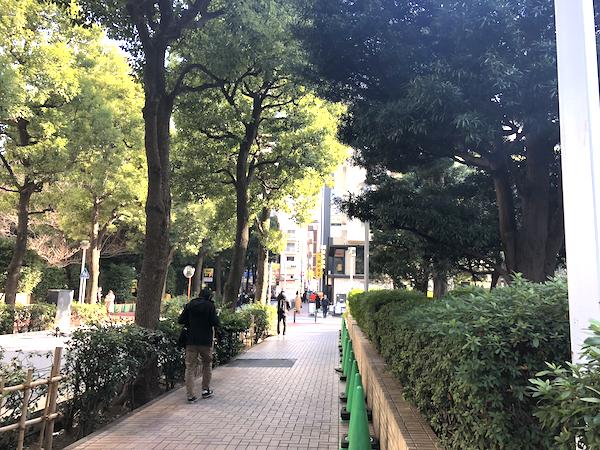 赤坂駅5b出口を出たところ